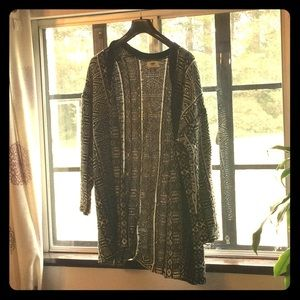 Old Navy small poncho style sweater